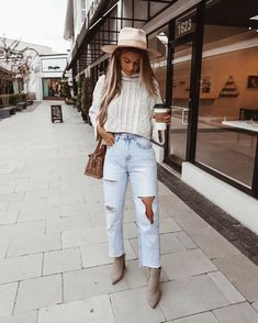 Chic outfit idea to copy ♥ For more inspiration join our group Amazing Things ♥ You might also like these related products: - Sweaters ->. Outfits Otoño, Cute Fall Outfits, Fall Winter Outfits, Autumn Winter Fashion, Trendy Outfits, Fashion Outfits, Fashion Trends, Denim Outfits, Winter Fashion Boots