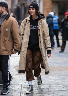 Men street styles 348817933637626608 - London street style mens collections: leopard jeans Source by whowhatwearuk Street Style Trends, Nyc Street Style, Rihanna Street Style, Model Street Style, London Street Fashion, Men Street Styles, Tomboy Street Style, Tokyo Fashion, Paris Street