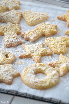 Sablés au beurre et aux amandes (butterbredele) - L'Heure du CreamL'Heure du Cream Sable Cookies, Alsace, Kinds Of Cookies, Beignets, Cookies Et Biscuits, Crinkles, Cookie Bars, Christmas Cookies, Caramel