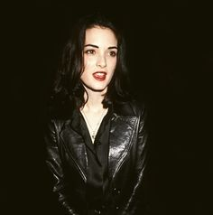 WINONA RDER signified 1990s black hair, red lips, porcelain skin cool.