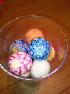 羊毛ボールで手まりの作り方
