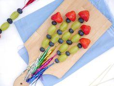 New Ideas For Fruit Traktatie Simpel Smoothies For Kids, Yogurt Smoothies, Fruit Appetizers, Appetizers For Party, Fruit Diet Plan, Class Snacks, Yogurt Dessert, Vegetable Benefits, Fruit Sketch