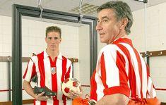 Torres y Gárate posan en 2003 para MARCA con motivo del centenario