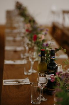 Love this simple but oh so elegant table setting Lodge Wedding, Diy Wedding, Wedding Ceremony, Wedding Venues, Reception, Wedding Day, Oaks House, Indoor Wedding Ceremonies, Elegant Table Settings