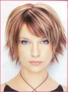Short Hairstyle With Layers And High Lite