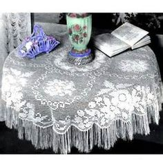 free patterns for oval tablecloths - Yahoo Image Search Results Crochet Tablecloth Pattern, Afghan Crochet Patterns, Lace Patterns, Crochet Doilies, Crochet Flowers, Thread Crochet, Filet Crochet, Crochet Yarn, Hand Crochet
