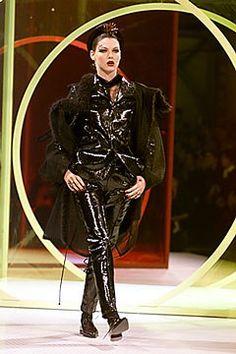 John Galliano Spring 2000 Ready-to-Wear Fashion Show - Angela Lindvall (OUI), John Galliano