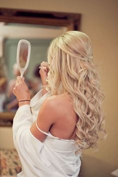 Trendy wedding hairstyles with bangs half up haircuts ideas Wedding Hairstyles Half Up Half Down, Wedding Hairstyles For Long Hair, Hairstyles With Bangs, Long Prom Hair, Elegant Hairstyles, Vintage Hairstyles, Prom Hair Down, Vintage Updo, Formal Hairstyles Down