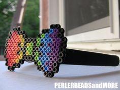 Rainbow bow tie head band por PERLERBEADSandMORE en Etsy, $7,00