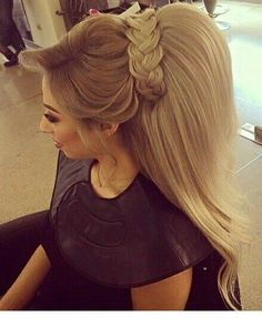 Hair extensions and wigs are haram Ponytail Hairstyles, Trendy Hairstyles, Wedding Hairstyles, Poofy Hair, Big Hair, Rebonded Hair, Hair Addiction, Hair Upstyles, Hair Extensions Best