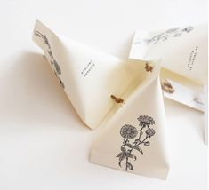Allons-y Alonso - Design d'invitation & fun! Guest Gifts, Welcome Bags, Pretty Packaging, Plant Design, Marry Me, Communion, Wedding Favors, Wedding Planner, Wedding Inspiration