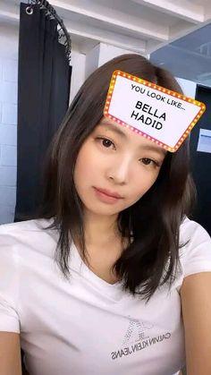 Jennie so cute Blackpink Jisoo, Kim Jennie, Blackpink Icons, Kpop Gifs, Lisa Blackpink Wallpaper, Black Pink Kpop, Blackpink Members, Blackpink Photos, Blackpink And Bts