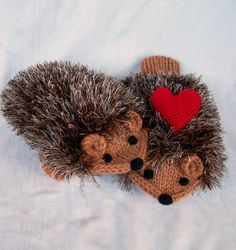 Hand Knit Hedgehog Mittens with Heart Valentines Day Adult Size MADE TO ORDER op Etsy, $39.00