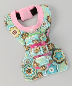 @Tammy Tarng Tarng Woodall, you will have to make me one of these.  Such a good idea.  Bottle/Sippy cup holder on a bib.