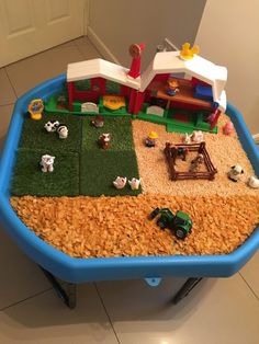 Tuff Tray, Tuff Spot, Tuff Tray Ideas You are in the right place about birthday charts Childcare Here we offer you the most beautiful pictures about the Childcare environments you are looking for. Sensory Table, Baby Sensory, Sensory Bins, Sensory Play, Farm Sensory Bin, Sensory Boards, Eyfs Activities, Nursery Activities, Infant Activities