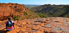 Hiking in Kings Canyon in the Northern Territory, Australia Places To Travel, Places To Visit, Pictures Of Beautiful Places, Travelling Tips, Travel Bugs, Packing Tips, Africa Travel, Australia Travel, Melbourne