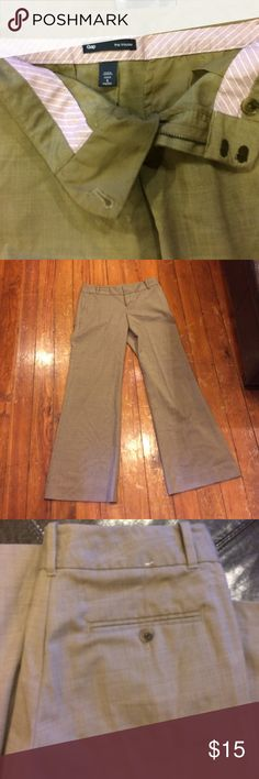 Gap size 2 the trouser pants. Size 2 regular EUC the trouser from the gap. Smoke free home dog mom Pants Trousers