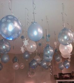 Hanging balloons with twinkle lights inside 10 pink, 10 silver stars ordered