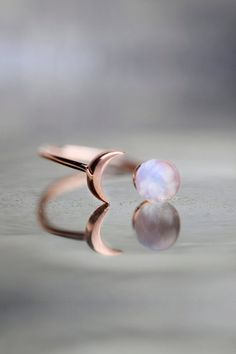 Raw Stone Ring Moonstone Ring Rose Gold Raw Gem Jewelry Celestial Jewelry Girlfriend Gift For Wife Unique Gifts For Women Crystal Ring - Wanderlust Rainbow Moonstone Ring Raw Stone Ring Gift For Her Celestial Jewelry Crescent Moon Ring - Moonstone Jewelry, Gems Jewelry, Cute Jewelry, Jewelry Gifts, Gemstone Rings, Women Jewelry, Jewelry Bracelets, Silver Jewelry, Statement Jewelry