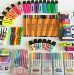 I'm sooo exited for school supplies shopping Stationary Store, Stationary School, Cute Stationary, School Stationery, Stationary Supplies, School Suplies, Cool School Supplies, Office Supplies, Stabilo Boss