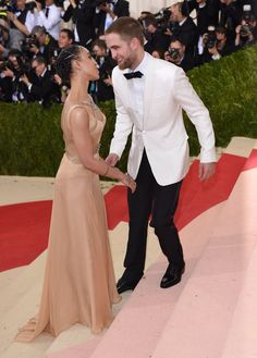 Pin for Later: Robert Pattinson and FKA Twigs Return to the Place Where They Made Their Red Carpet Debut