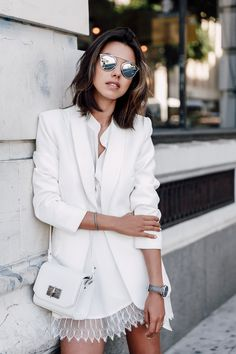 Viva luxury. All white. White skirt and white blazer
