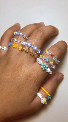 Diy Beaded Rings, Diy Jewelry Rings, Handmade Beaded Jewelry, Seed Bead Jewelry, Bead Jewellery, Cute Jewelry, Jewelry Crafts, Jewelry Accessories, Jewelry Design
