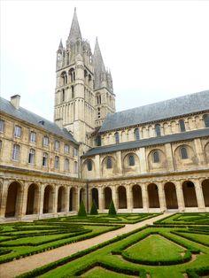 #Cloitre de l'#Abbaye aux Hommes, #Caen #Calvados #Normandie