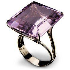 love this amethyst ring Ax Purple Jewelry, Amethyst Jewelry, Gems Jewelry, Jewelery, Jewelry Accessories, Amethyst Rings, Smoky Quartz Ring, Beautiful Engagement Rings, Love Ring