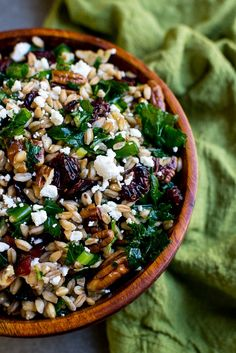 Festive Fall Farro Salad with Kale, Cranberries, Pecans & Goat Cheese - Stuck On Sweet Farro Recipes, Vegetarian Recipes, Cooking Recipes, Healthy Recipes, Winter Salad Recipes, Superfood Recipes, Cooking Ideas, Lunch Recipes, Vegan Vegetarian