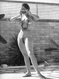 """vintage-juene-femme: """" vavavoomrevisited: """"Another favorite , Marguerite Emory aka Diane Webber , photographer Russ Meyer """" Diane in the early found employment as a chorus girl at Bimbo's Figure Photography, Nude Photography, Girls With Cameras, Portraits, Vintage Girls, Vintage Beauty, Film, Camera Obscura, Pictures"""