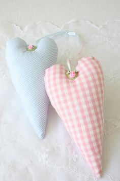 Shabby Chic would make a nice sachet to hang in closet. Add a ribbon to hang it Shabby Chic Hearts, Pastel House, Fabric Hearts, I Love Heart, Heart Wreath, Heart Crafts, Pretty Pastel, Heart Art, Soft Colors