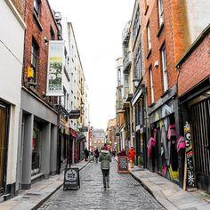 Conforme o tempo vai passando a gente vai aprendendo a amar essa cidade. A experiência de morar em Dublin está sendo incrível e logo logo vai rolar um vídeo contanto um pouco mais sobre a nossa vida na Irlanda.  #dublin #europe #ireland
