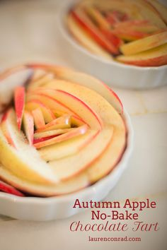 Autumn Apple No Bake Chocolate Tart      3 dates     1 cup cashews     1 tbsp. vanilla extract     1 tbsp. agave     1/2 cup no sugar added Lily's Dark Chocolate Chips     ¼ cup almond milk     two apples, thinly sliced