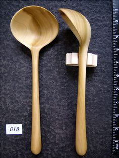 I think I like this one the best - half ladle, half large spoon. Wooden Spoon Carving, Carved Spoons, Wood Spoon, Wooden Ladle, Wooden Spatula, Green Woodworking, Woodworking Crafts, Small Wood Projects, Wood Lathe
