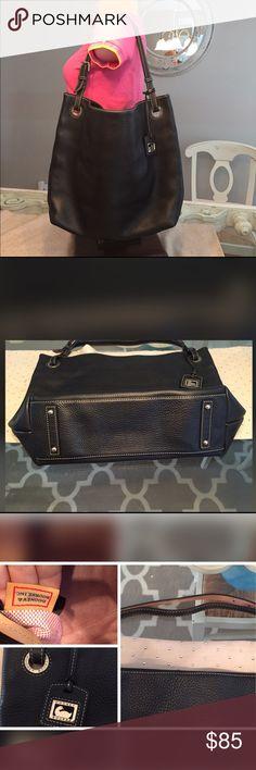 🎀🎀🎀 Large Like New Dooney & Bourke Purse🎀🎀🎀 🎀Large Dooney & Bourke Purse🎀 Navy🎀 Pristine Condition 💕💕 Dooney & Bourke Bags Shoulder Bags