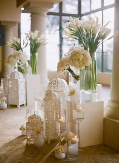 pure white wedding decor / http://www.himisspuff.com/simple-elegant-all-white-wedding-color-ideas/7/