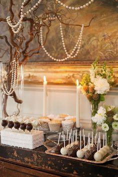 1920s vintage pearl wedding dessert decor / http://www.deerpearlflowers.com/vintage-pearl-wedding-ideas/2/
