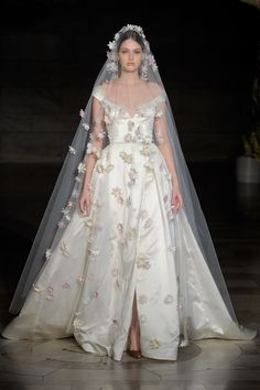 See every dress from Reem Acra's Fall 2019 Bridal Fashion Week wedding dress collection. Western Wedding Dresses, Bridal Wedding Dresses, Designer Wedding Dresses, Wedding Frocks, Wedding Ceremony, Western Weddings, Wedding Mandap, Wedding Stage, Wedding Receptions