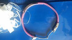 Auf Armumfang zuschneidbares Sportarmband, mit Gravur auf der Mittelplatte! Text: Je taime! Sonderstück für 15€ abzugeben! OVP:45€