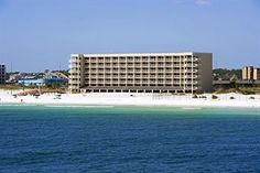 Four Points by Sheraton in Florida Four Points by Sheraton  Destin - Fort Walton Beach is located on the beach in Fort Walton Beach, close to Emerald Coast Conference Center, Florida's Gulfarium, and Emerald Coast Science Center. Indian Temple Mound and Museum is also a point of interest near this green/sustainable hotel. Hotel F