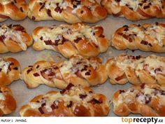 Slaninovosýrové houstičky Hot Dog Buns, Hot Dogs, Shrimp, Sausage, Bread, Baking, Pizza, Cook, Basket