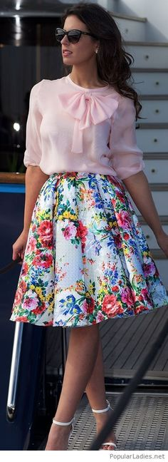 colorful-floral-skirt-with-a-light-pink-shirt