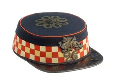 British; 26th Foot (Cameronians), Officer's Forage Cap, tailored by Hill Brothers of Old Bond Street London. Attributed as belonging to Colonel Archibald Douglas Collier CB. Born in 1833, he was commissioned into the 26th Foot 1854 seeing service in the Crimea and died in 1909 British Army Uniform, Highlanders, Bond Street, Zulu, Headdress, Art Tutorials, Badges, Tanks, Steampunk