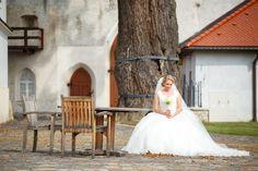 """Fotograf Matej Kohút - www.mkphoto.sk  Kvalitný svadobný fotograf je zárukou nezabudnuteľných spomienok na Váš veľký svadobný deň """"D""""   Nasa-svadba.sk   Všetko pre Váš dokonalý deň na 1 mieste! #svadba #fotograf #svadobnyfotograf #nasasvadba #svadobnyvyhladavac #svadobnefoto #fotoportetov #portrety Nasa, Girls Dresses, Flower Girl Dresses, Wedding Dresses, Fashion, Dresses Of Girls, Bride Dresses, Moda, Bridal Gowns"""