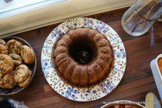 Mehevä vanilja-suklaa(kuiva)kakku – Meanwhile in Longfield. Doughnut, Tart, Oatmeal, Muffin, Food And Drink, Baking, Breakfast, Desserts, Recipes