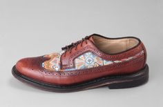 Custom wingtips with painted insert