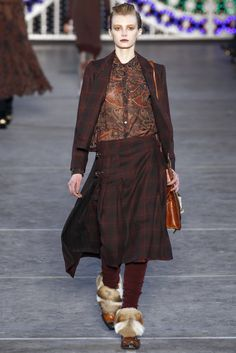 Being a McVie, there is a special corner of my heart for tartan...Kenzo - Fall Winter 2011/2012 Ready-To-Wear - Shows - Vogue.it