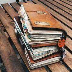 diario con memorias hecho a mano, cuaderno de viaje, tres cuadernos de cuero, pegatines
