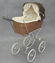 Baby Pram Vintage/Retro  Really like things like these http://www.geojono.com/